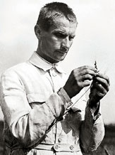 A younger Lysenko working in the field